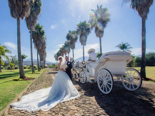 کالسکه عروسی